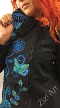 fekete, galléros, zsebes, kabát, kék, zöld, virágos, mintás, színes, meleg, közép hosszú, hosszított, polár, bélelt, tél, ősz, elegáns, egyedi, cipzár, Nepál, egzotikus
