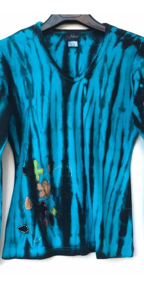 hosszú ujjú, vastag, meleg, pamut, felső, póló, színes, kék, fekete, virág, mintás, vidám, bohém, hippi, laza, női, divat, trend