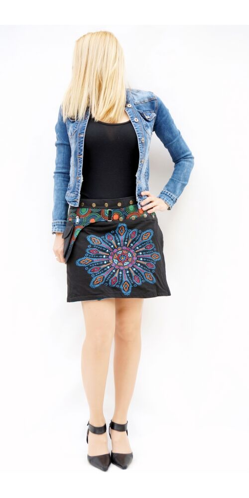 pamut, fekete, zöld, kék, virág, mandala, mintás, színes, mini, szoknya, hímzett, oldalzsebes, bohém, egyedi, extravagáns, női, divat, trend