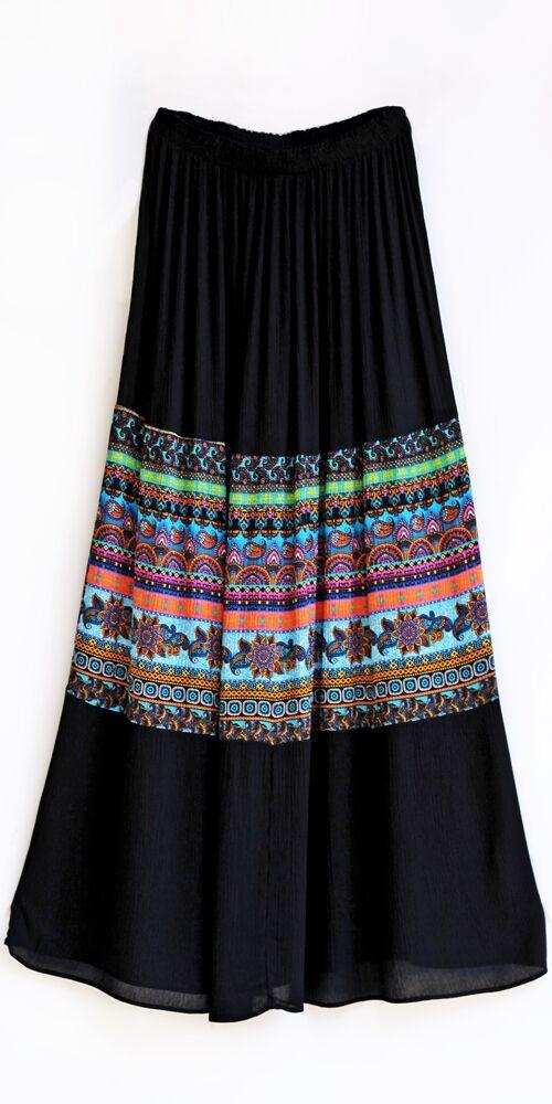 hosszú, szoknya, fekete, élénk, színes, kék, zöld, sárga, etno, mintás, trend, divat, egyedi, bohém, extravagáns, egzotikus, vidám, nyári