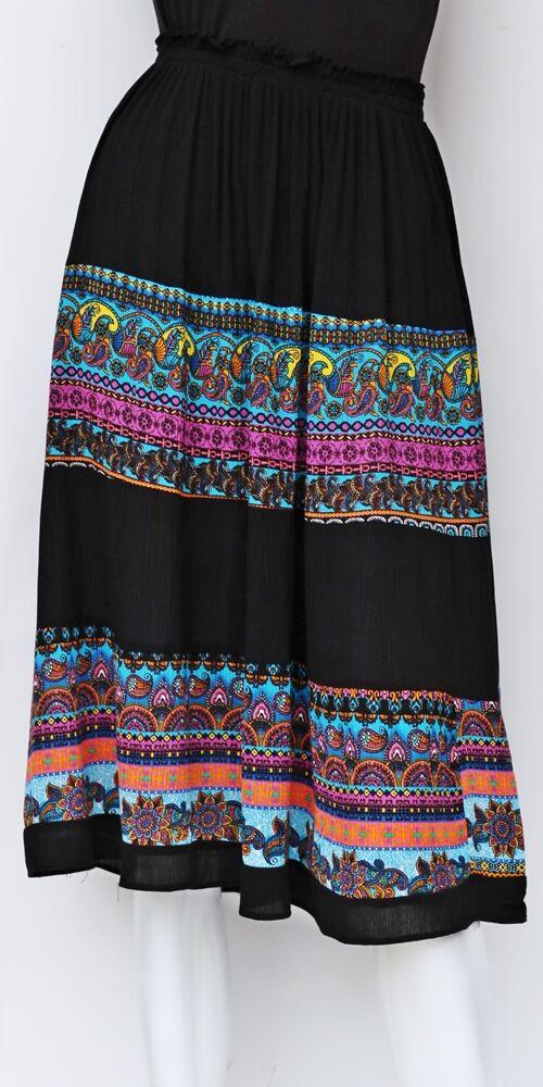 midi, szoknya, fekete, élénk, színes, kék, zöld, sárga, etno, mintás, trend, divat, egyedi, bohém, extravagáns, egzotikus, vidám, nyári
