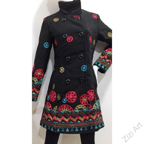 női, kabát, piros, fekete, kék, állónyakú, etno, mintás, mandala, kör, pötty, virág, mintás, színes, meleg, közép hosszú, hosszított, kabát, bélelt, tél, ősz, elegáns, egyedi, cipzár, Olasz, egzotikus, bohém